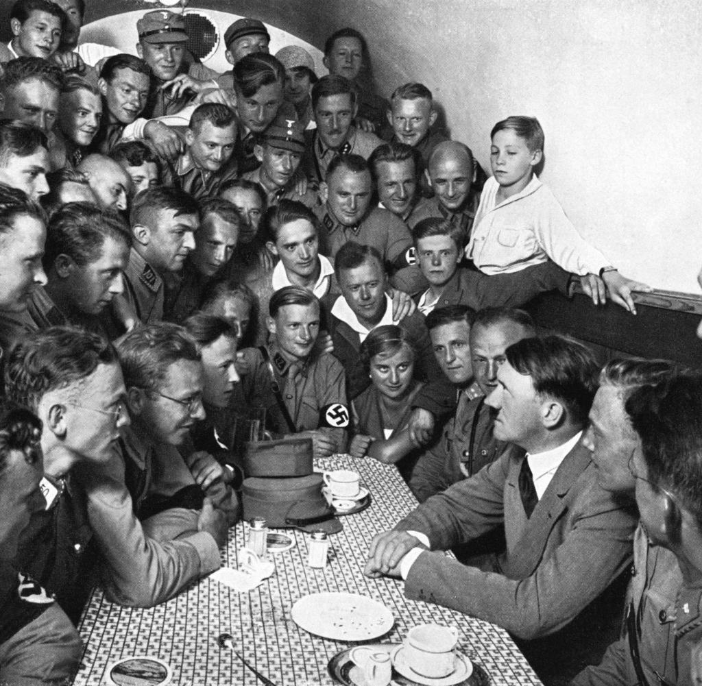 كان بإمكانه أن يقلب موازين الحرب العالمية الثانية لصالحه .. ما السلاح الذي امتلكته ألمانيا ورفض هتلر استخدامه