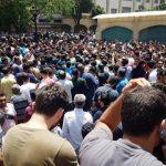 بالفيديو .. مظاهرات إيران تصل لسوق طهران الكبير والتجار ينضمون