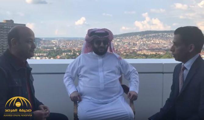 """شاهد .. بحضور """"آل الشيخ"""" mbc توقع مع """"عمرو أديب"""" لتقديم برنامج أسبوعي"""