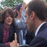 بالفيديو : الرئيس الفرنسي يعنف شاباً بعد مناداته له بهذا الاسم