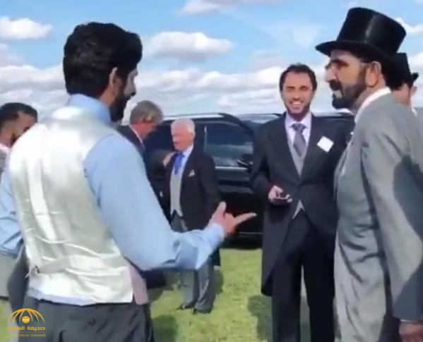 شاهد  ردة فعل الشيخ محمد بن راشد ونجله  حمدان بعد الفوز بسباق الخيول الأشهر في العالم