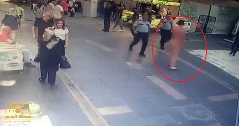"""""""الوحش العاري"""" يروّع شوارع إسطنبول.. والشرطة التركية  تطلق النار عليه !"""