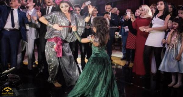"""بعد اعتقال """"جوهرة"""" لـ لباسها الفاضح .. """"نيويورك تايمز"""" تكشف سبب اجتياح الراقصات الروسيات لمصر"""