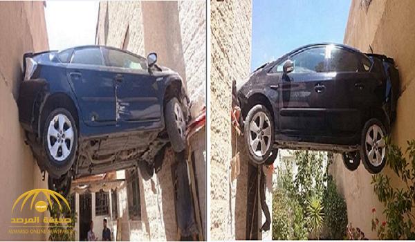 شاهد.. أغرب حادث في الأردن .. سيارة معلقة في الهواء -صور