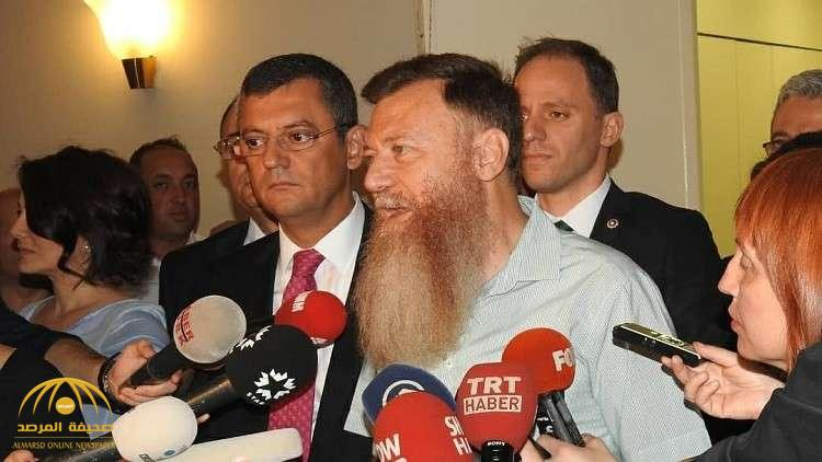"بالصور: شاهد .. نائب تركي معارض يفي بـ""وعده الغريب"""