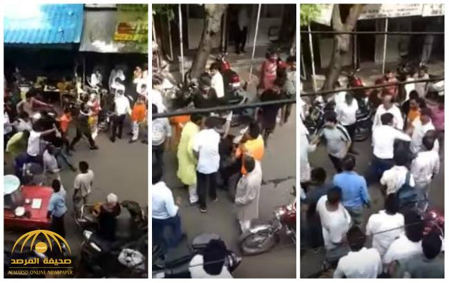 بالفيديو .. سحل مسلم هندي تزوج من فتاة هندوسية