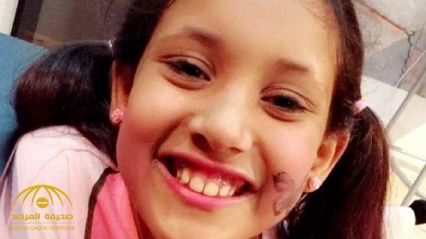 كسرت جمجمتها وقطعت شعرها .. والدة الطفلة المنحورة على يد الخادمة في الرياض تكشف عن صدمتها وقت تغسيل الجثمان