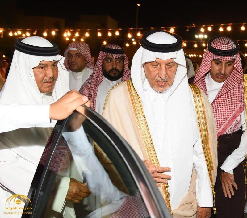 بالصور .. الأمير خالد الفيصل يعزي الفنان محمد عبده