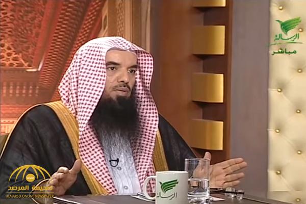 """فيديو.. الشيخ """"علي المري"""": الغناء مسألة فيها خلاف.. وهناك بعض العلماء جعلوه """"مستحباً""""!"""