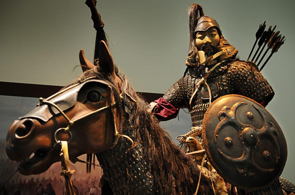 بعد 3 آلاف عام.. علماء آثار يكتشفون سبب خلع المغول لأسنان خيولهم!