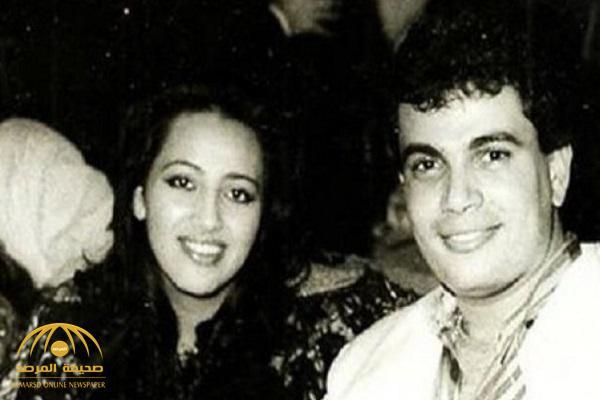 شاهد.. كيف أصبحت بطلة أول قصة حب في حياة عمرو دياب بعد 30 عامًا!