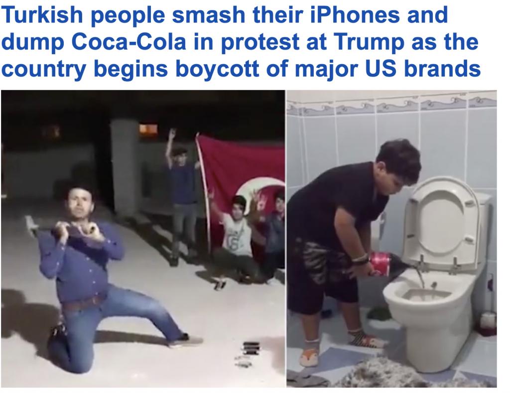"""شاهد: أتراك يحطمون هواتفهم """"الآيفون""""  ويسكبون مشروب الكوكاكولا  !"""