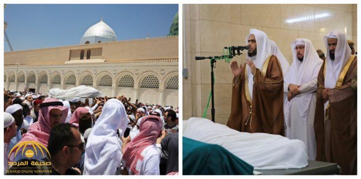 بالفيديو والصور.. شاهد لحظة تشييع الداعية أبو بكر الجزائري إلى مثواه الأخير