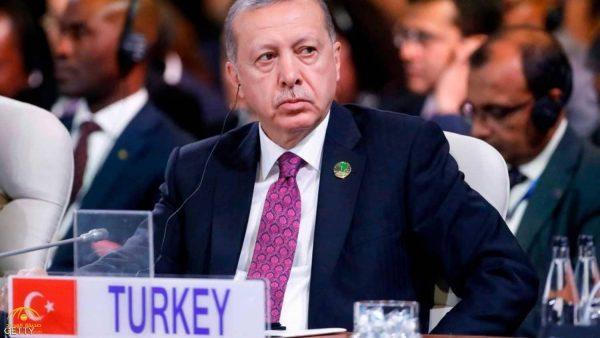 """أردوغان يهدد التجار الأتراك بتنفيذ خطة """"ب أو ج """" إذا استمروا في شراء الدولار!"""