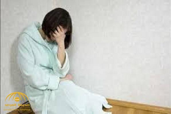 فتاة تتعمد نقل هذا المرض الخطير لزبائنها في بلد عربي.. وهذا ما عثر عليه في منزلها!
