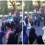 زي داعشي ومجسمات أسلحة رشاشة .. شاهد .. التطرف يدق أطنابه من داخل روضة أطفال إندونيسية !