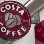 """""""كوكا كولا"""" تستحوذ على """"كوستا كوفي"""" .. ما قيمة الصفقة؟"""