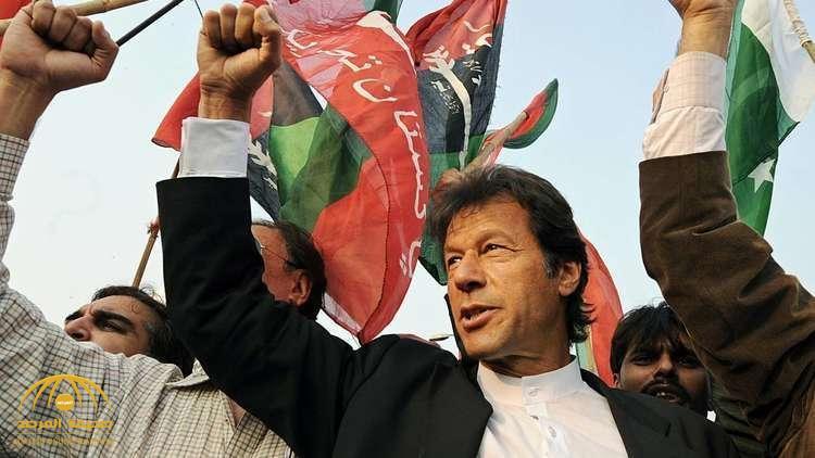 في أول قرار له.. رئيس وزراء باكستان الجديد يصدم شعبه بعد موقفه من القصر الرئاسي ومئات الخدم!