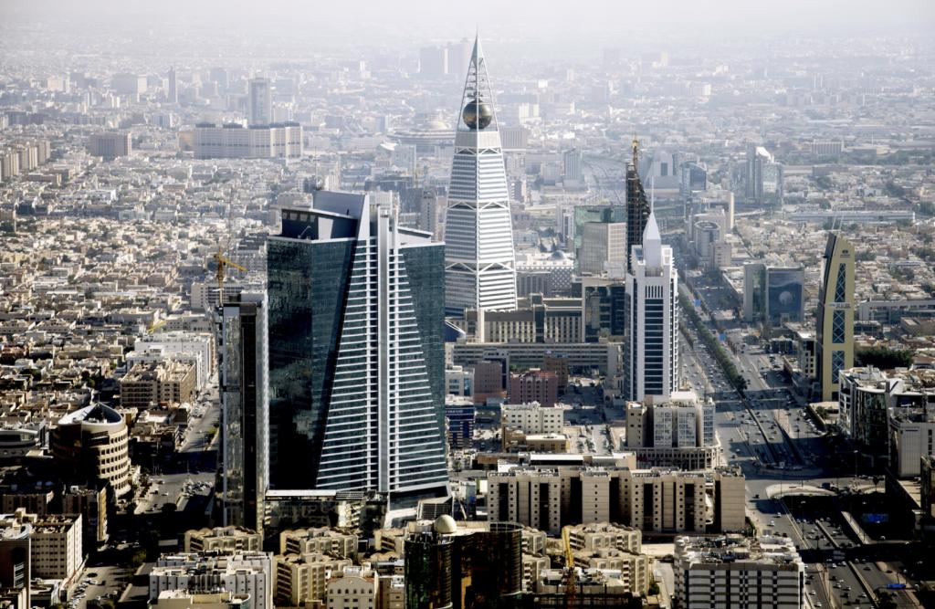 المملكة تطلق منصّة إلكترونيّة لإصدار التأشيرات السياحيّة لجماهير سباق «فورميلا إي»