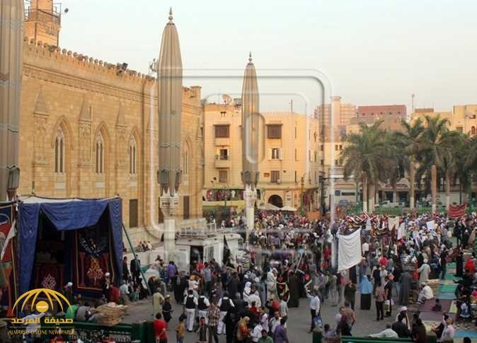 مصر تغلق مسجد الحسين!