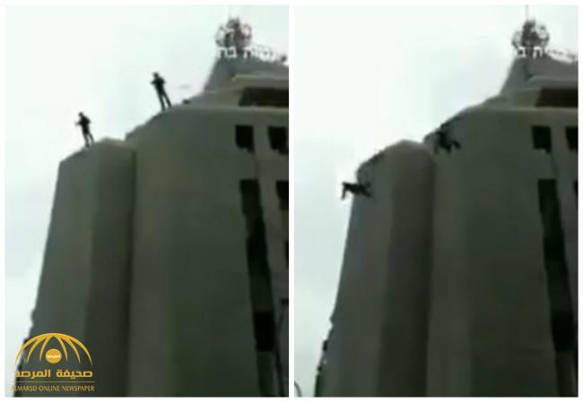 شاهد .. لحظة سقوط جندي إسرائيلي أثناء تنفيذ عملية إنزال فاشلة