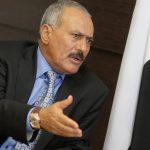 """بعد 9 أشهر من مقتله… شاهد: علي عبد الله صالح يخرج من بين """"أكوام الحجارة"""" بشكل غير مسبوق!"""