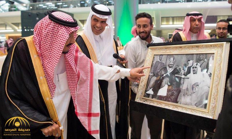 شاهد.. قصة الصورة التي شاهدها الملك سلمان في حفل تدشين قطار الحرمين!