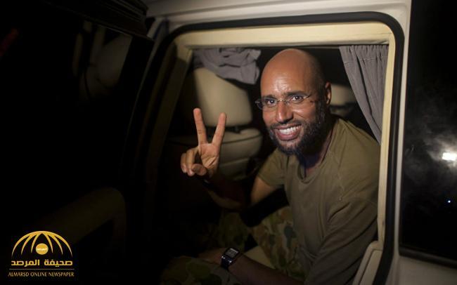 """من داخل المخبأ .. سيف الإسلام القذافي يفجر مفاجأة ويرسلها في """"8 صفحات"""" إلى فرنسا"""