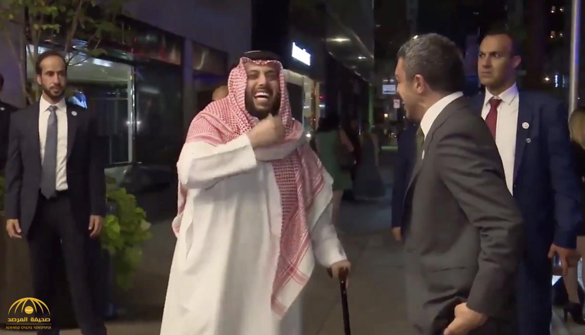 """شاهد.. لحظة زيارة """"عبد الله بن زايد"""" لـ""""تركي آل الشيخ"""" في نيويورك"""