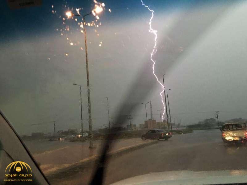 """أمطار مصحوبة بسيول ورياح مغبرة وصواعق على 7 مناطق بالمملكة.. """"الحصيني"""" يكشف تفاصيلها ويحدد موعدها!"""
