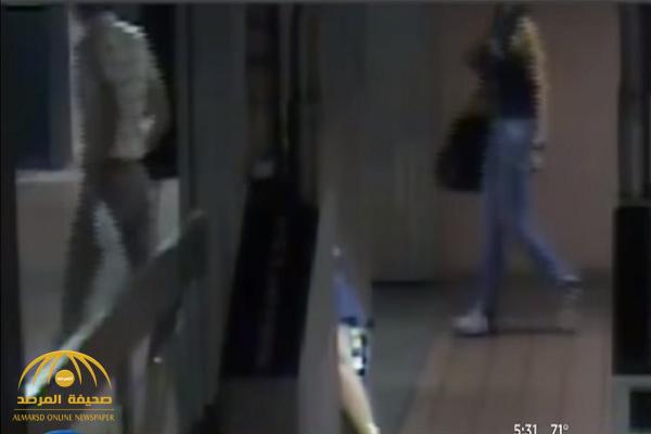شاهد: ماذا فعلت فتاة برجل تحرش بها داخل محطة مترو.. كاميرا المراقبة ترصد الفضيحة!