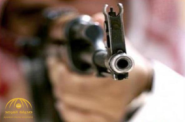"""مواطن يقتل آخر بإطلاق النار عليه من """"رشاش"""" في القنفذة"""