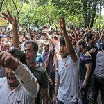 """انقلب السحر على الساحر .. """"لطميات عاشوراء"""" تتحول لاحتجاجات ضد النظام الإيراني!"""