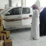 بالفيديو : سائقة تقتحم محل تموينات بسيارتها في محافظة تثليث .. وهكذا بررت السبب !