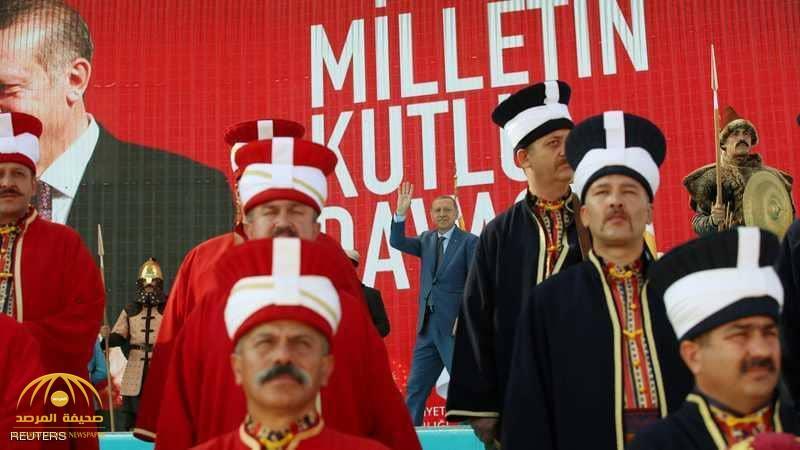 """أردوغان يستعين بجده """"المثير للجدل""""!"""