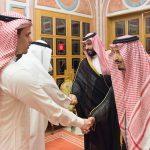 """بالصور والفيديو : خادم الحرمين  يستقبل  """"نجل وشقيق"""" الراحل جمال خاشقجي"""