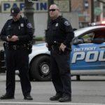 مقتل ضابط وإصابة أربعة آخرين بإطلاق نار في الولايات المتحدة