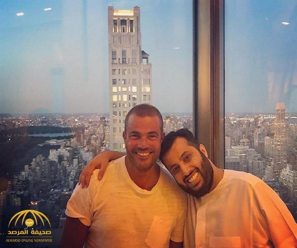 """شاهد.. عمرو دياب ينشر أحدث صورة له مع """" تركي آل الشيخ"""" في نيويورك!"""