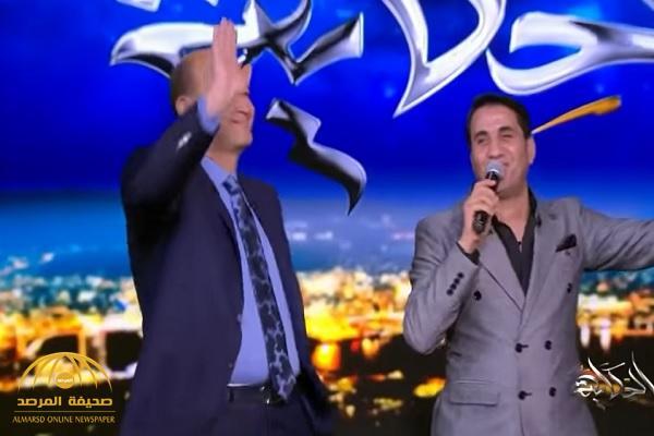 بالفيديو.. عمرو أديب يرقص على أغنية شهيرة بمصر!