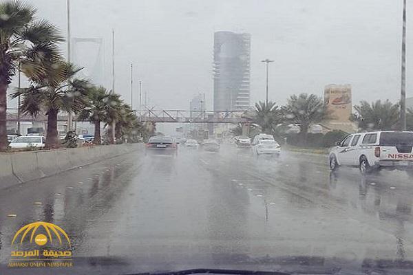 """سقوط أمطار رعدية غزيرة وبرد على 3 مناطق بالمملكة.. و""""كراني"""" يكشف التفاصيل!"""