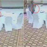 شاهد ..  مسؤول باكستاني يسرق محفظة دبلوماسي خليجي