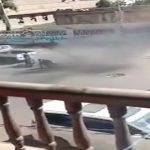 """شاهد فيديو مروع : حوثي يفجر قنبلة بين مدنيين في صنعاء لـ""""سبب تافه""""!"""