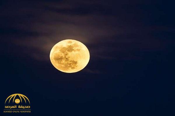 """فرضية جديدة تكشف كيف نشأ """"القمر """" بجانب الأرض"""