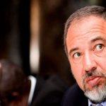 وزير الدفاع الإسرائيلي يستقيل من منصبه  والسبب المواجهة الأخيرة مع  قطاع غزة!