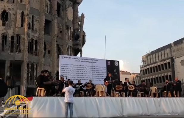 بالفيديو: منصة إعدام داعش للمثليين في الموصل تصدح بالموسيقى