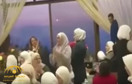 بالفيديو : شاهد.. سوريات يرقصن وسط قرع الطبول وتدخين الشيشة احتفالا بالمولد النبوي بدمشق