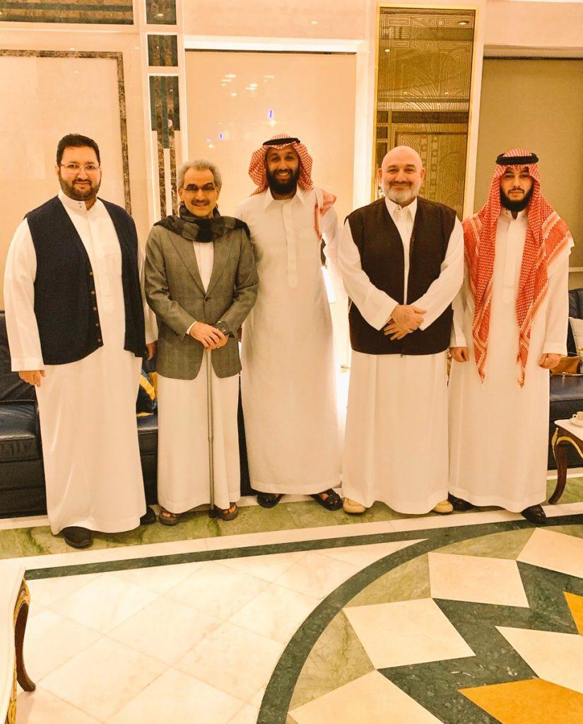 شاهد .. أحدث صورة تجمع أبناء الأمير طلال بن عبدالعزيز