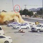بالفيديو:  شاهد .. حادث مروع  والسائق  يطير في الهواء خارج السيارة  في نجران!