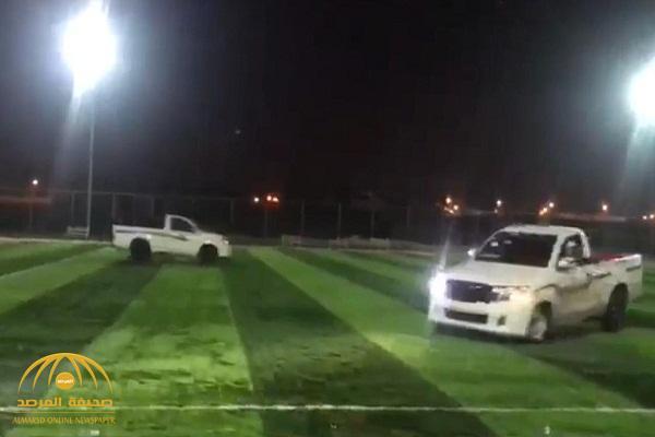 بالفيديو والصور: الإطاحة بمفحطي ملعب البلدية في القريات