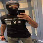 """بعد ظهوره يرتدي """" تيشرت"""" مجلة إباحية.. محمد صلاح يكشف الحقيقة!"""
